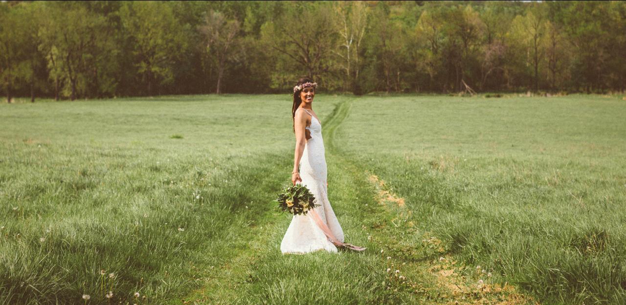 Katie_Joe_Country_Missouri_Farm_Wedding_8.png