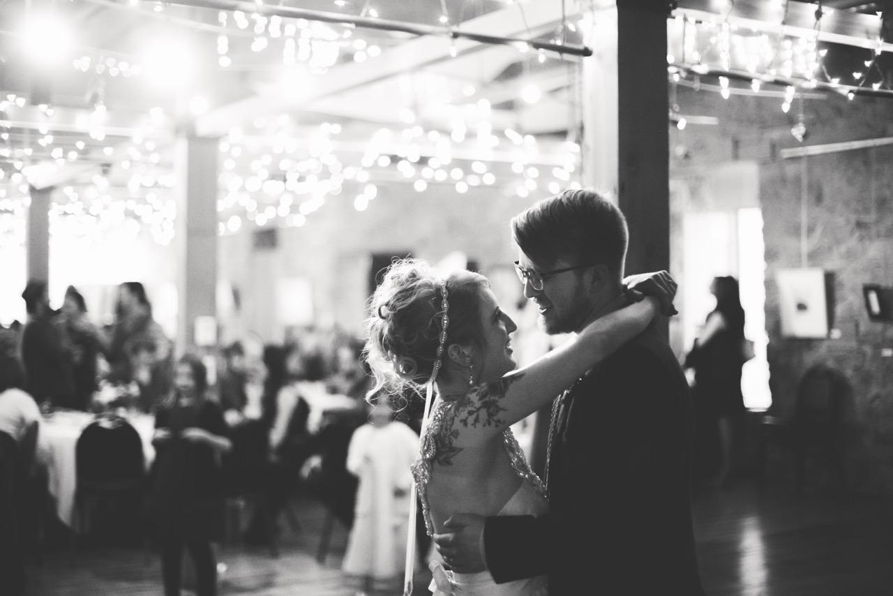 Esther_Aaron_SiouxFalls_Wedding_35.jpeg