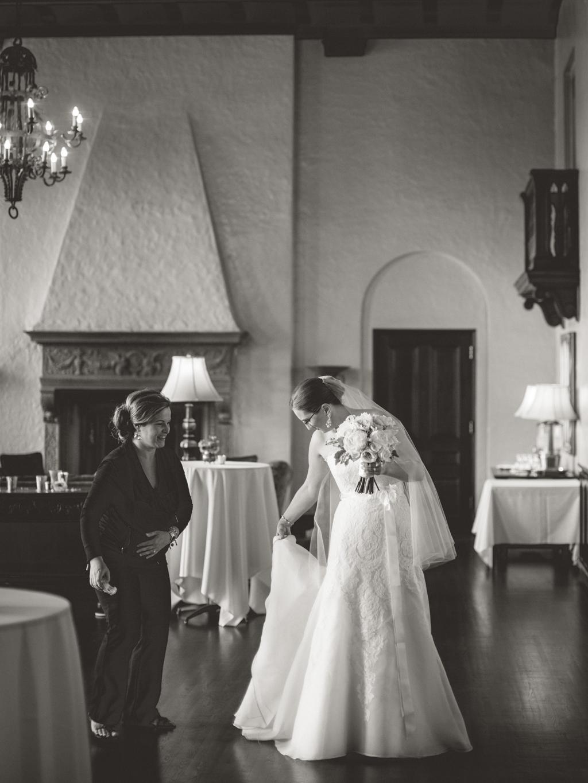 Alissa-Kunal-Minneapolis-Wedding-16.jpg
