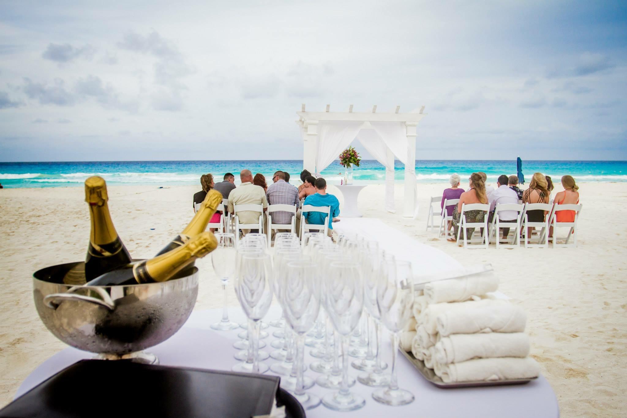 krysten-reed-cancun-beach-wedding-9.JPG