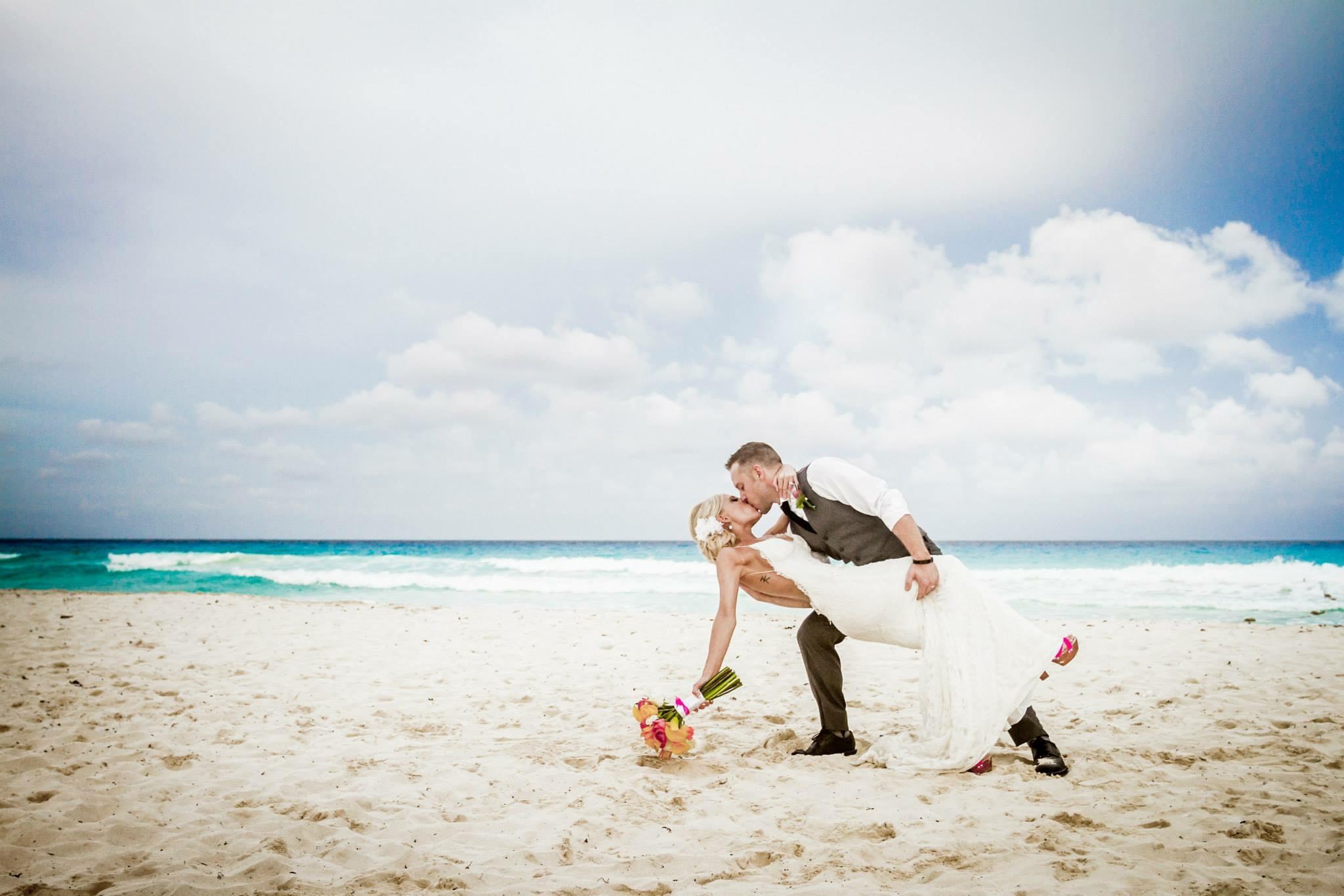 krysten-reed-cancun-beach-wedding-19.JPG