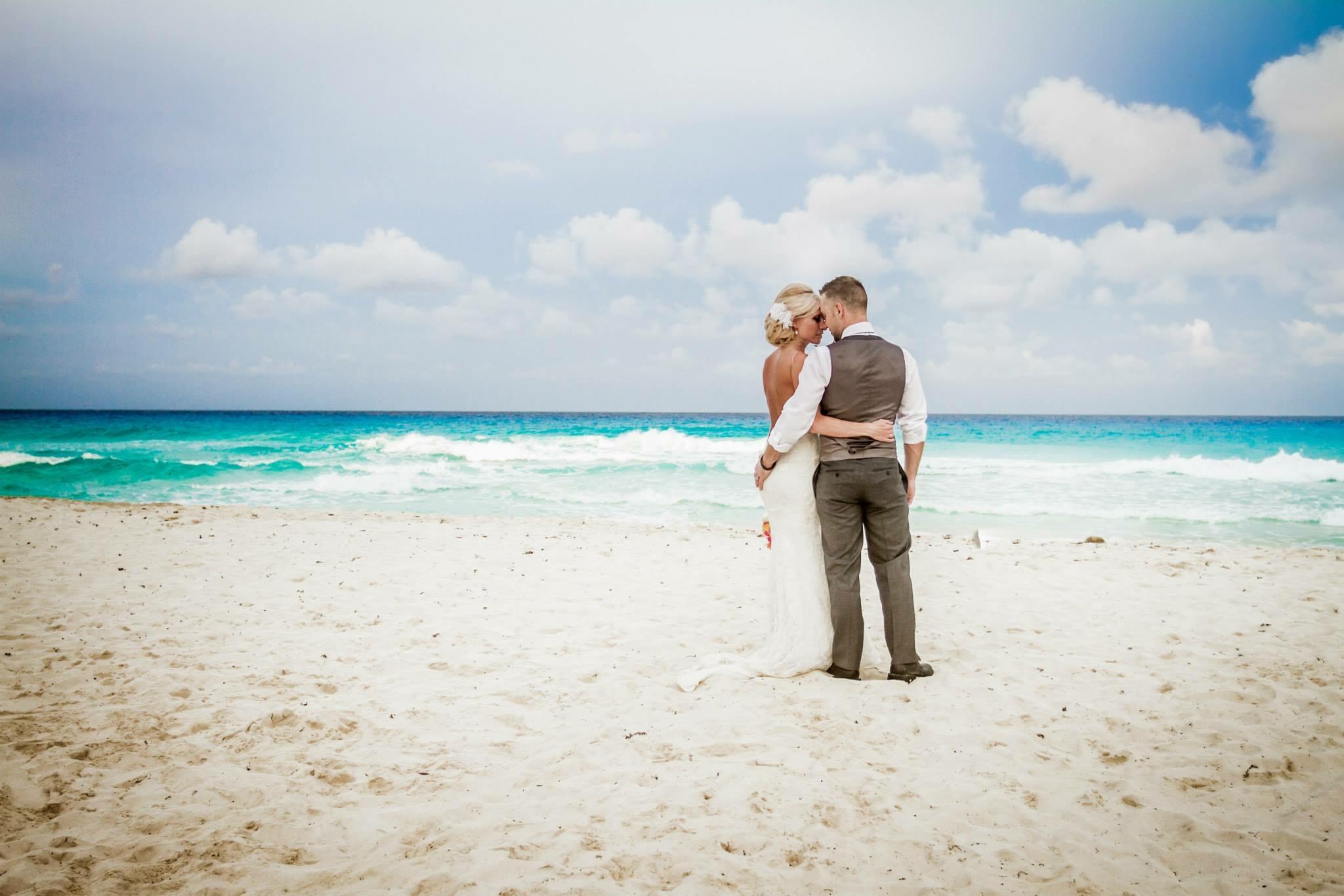 krysten-reed-cancun-beach-wedding-24.JPG