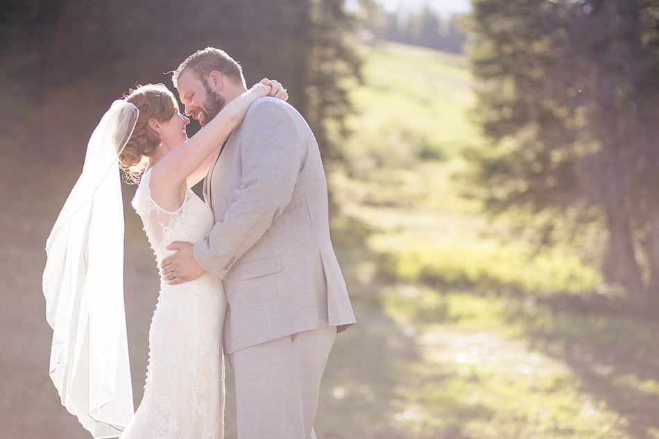 rebecca-schoneveld-colorado-wedding-09.jpg