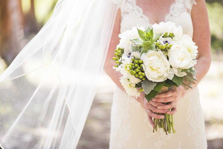 rebecca-schoneveld-colorado-wedding-03.jpg