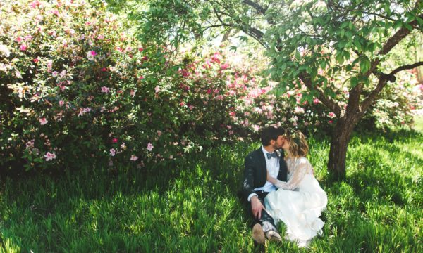 d13allas-aboretum-wedding-grit-and-gold-600x360.jpg