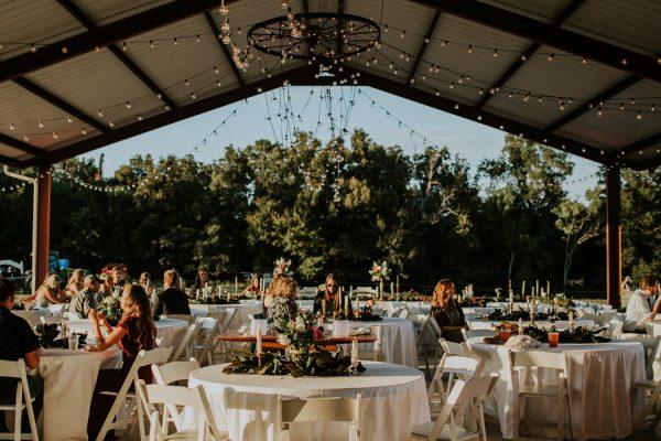 rustic-bohemian-ranch-wedding-in-oklahoma-10-600x400.jpg