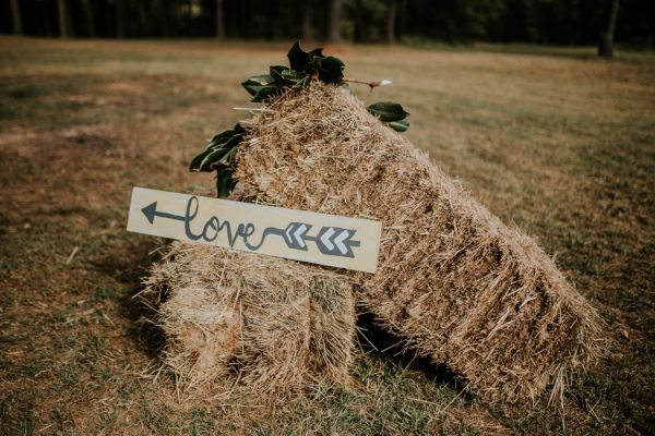 rustic-bohemian-ranch-wedding-in-oklahoma-16-600x400.jpg