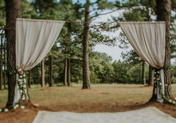 rustic-bohemian-ranch-wedding-in-oklahoma-29-600x421.jpg