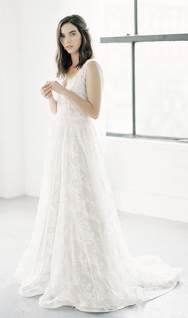 - Anais Anette 'Emie' Wedding Dress