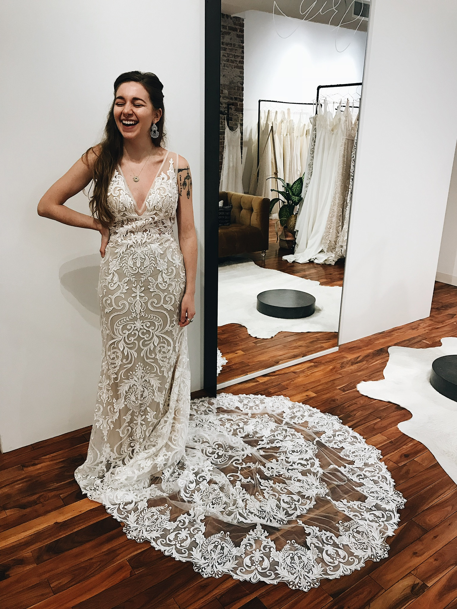 Wedding Dresses Miami.Calla Blanche Gowns For The Modern Glamorous Bride A Be