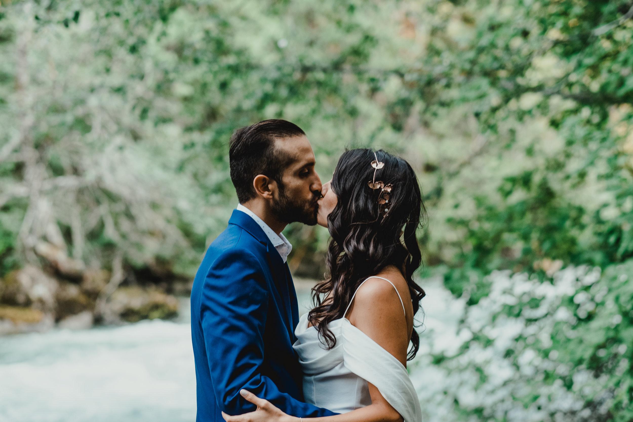 Vanessa&Martin-TaraLillyPhotography202.jpg