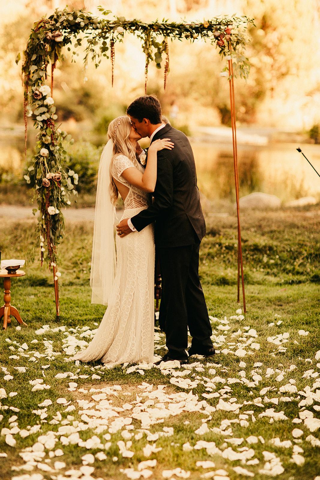 Bend Oregon Wedding -- Chris + Sommer-2084.jpg