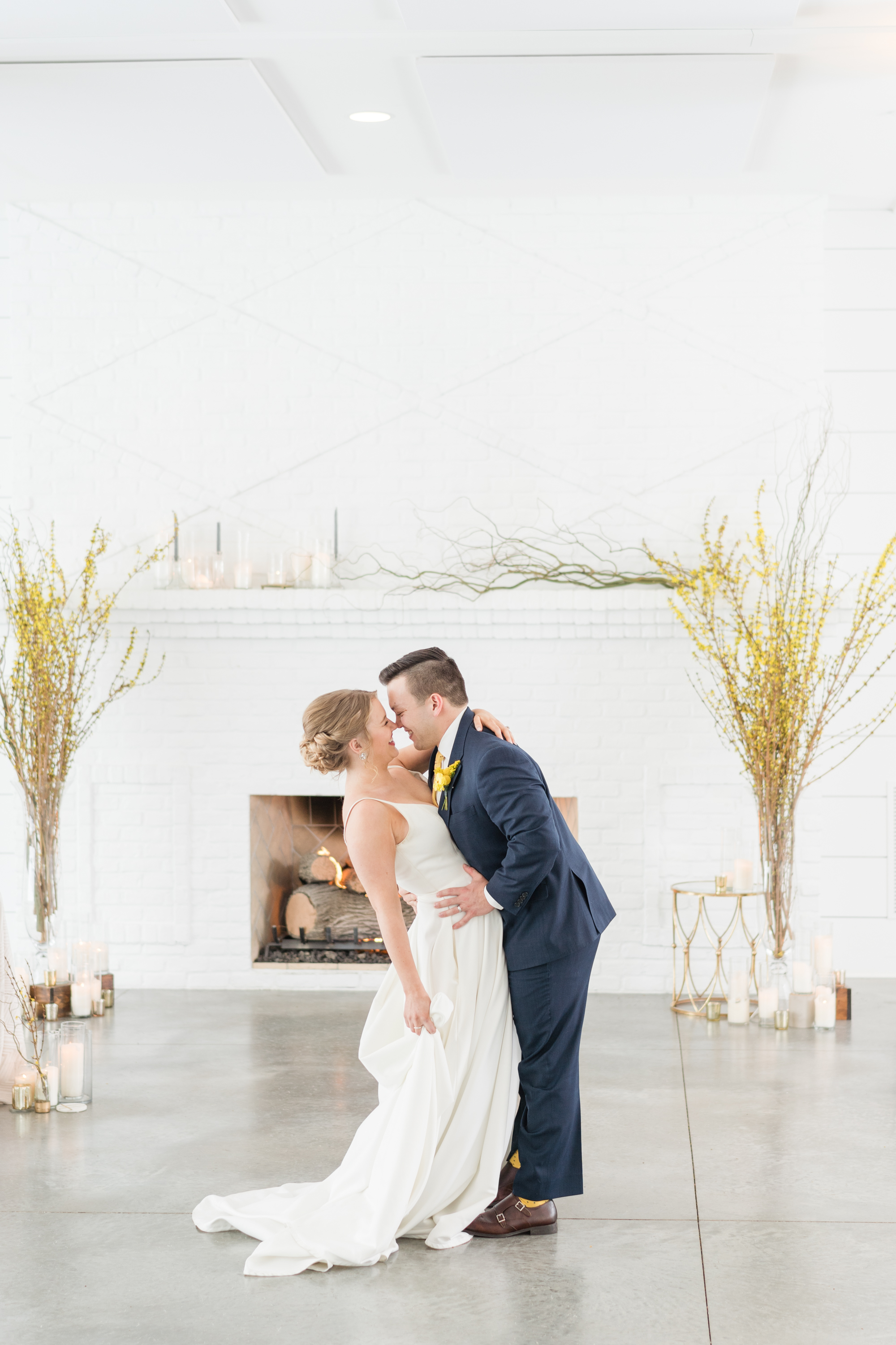 Fresh + Bright Winter Wedding Inspo