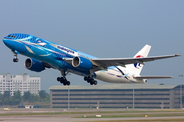 A Malaysia Airlines Boeing 777-200, similar to the one lost Saturday between Vietnam and Malaysia.