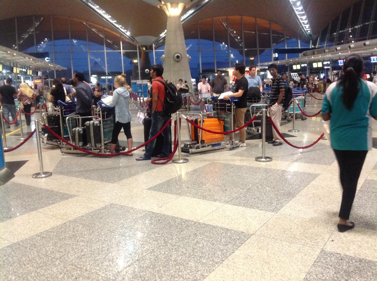 Passengers waiting to check-in at an MAS counter at KLIA. Credit: My Savvy Traveller Digital Image Base