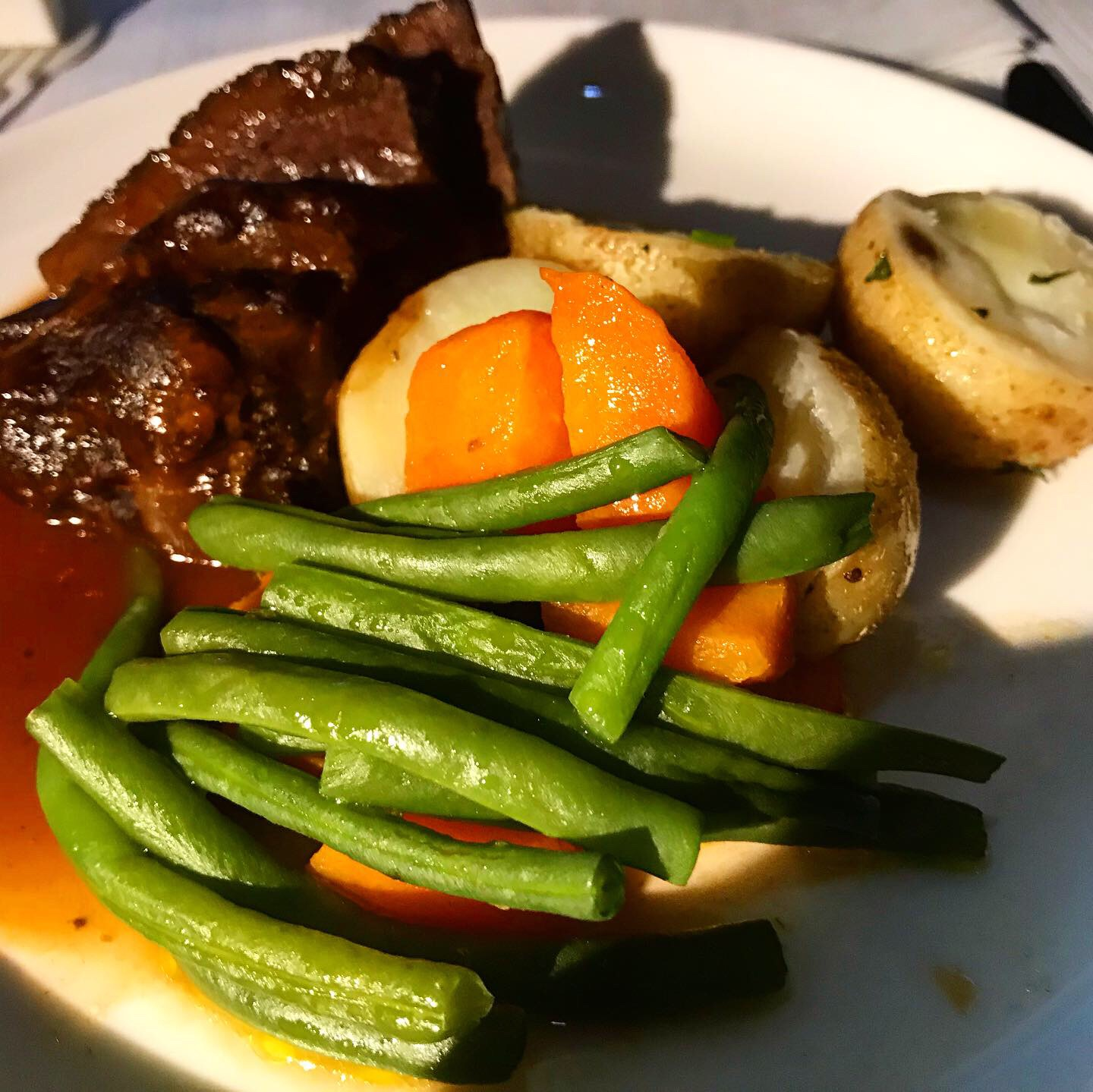 Red Wine Braised Beef-Cheek (with new potatoes, shallots, carrots and green beans)