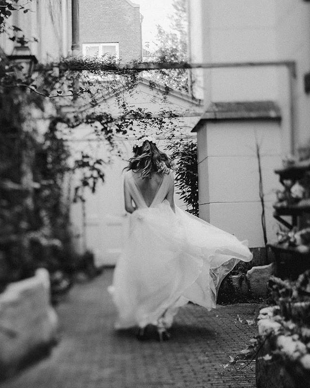 Wedding motion!  Sweet wedding in amsterdam  #dvlop #weddingdress #bride #christchurch #amsterdamwedding #blackandwhitephotography