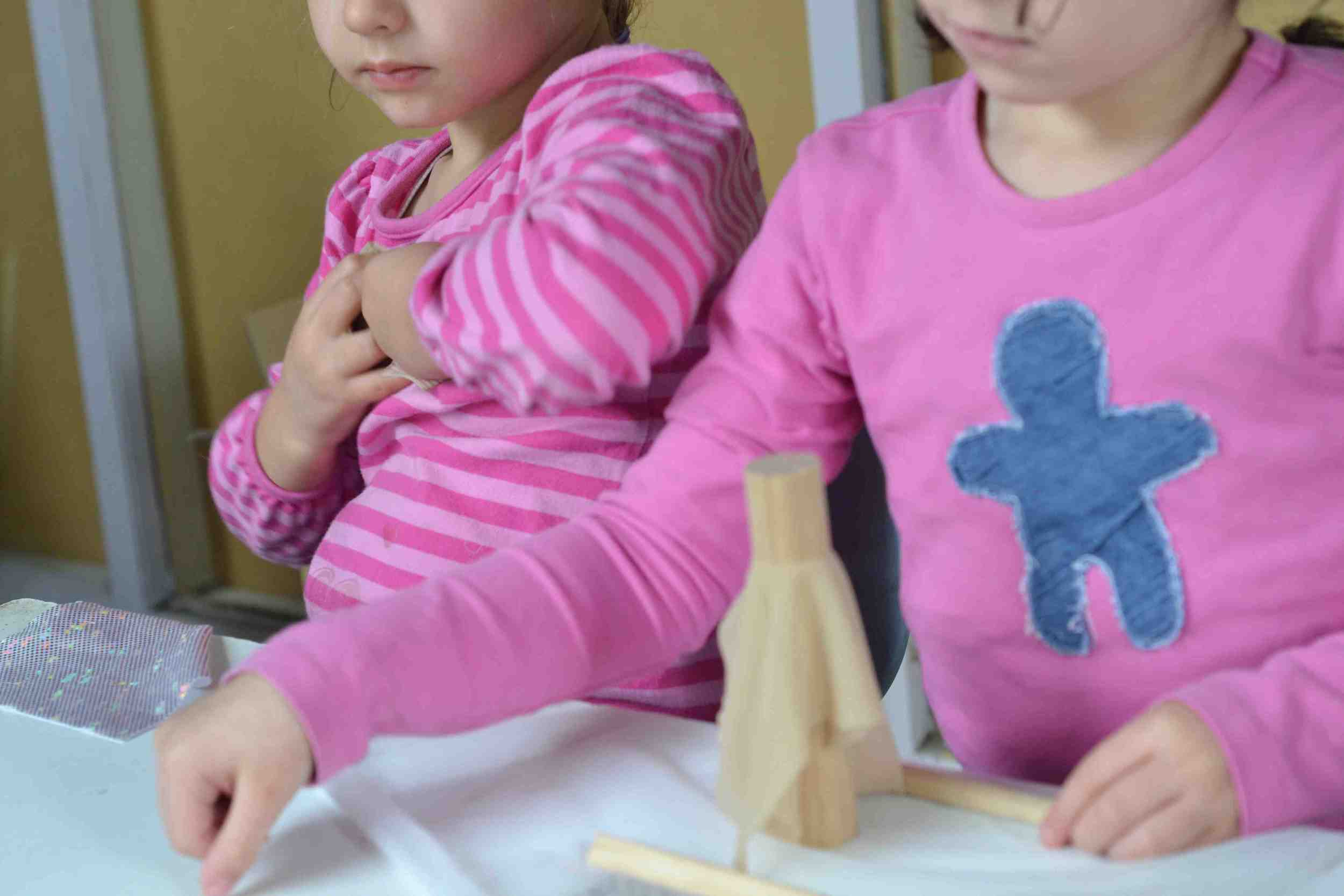 B:The start of children's use with dowels