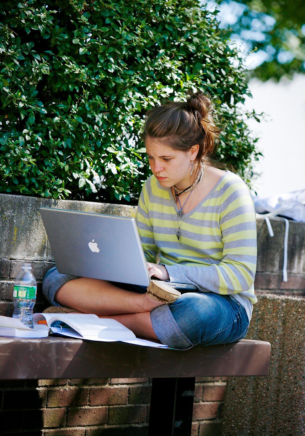 laptop for new web.jpg