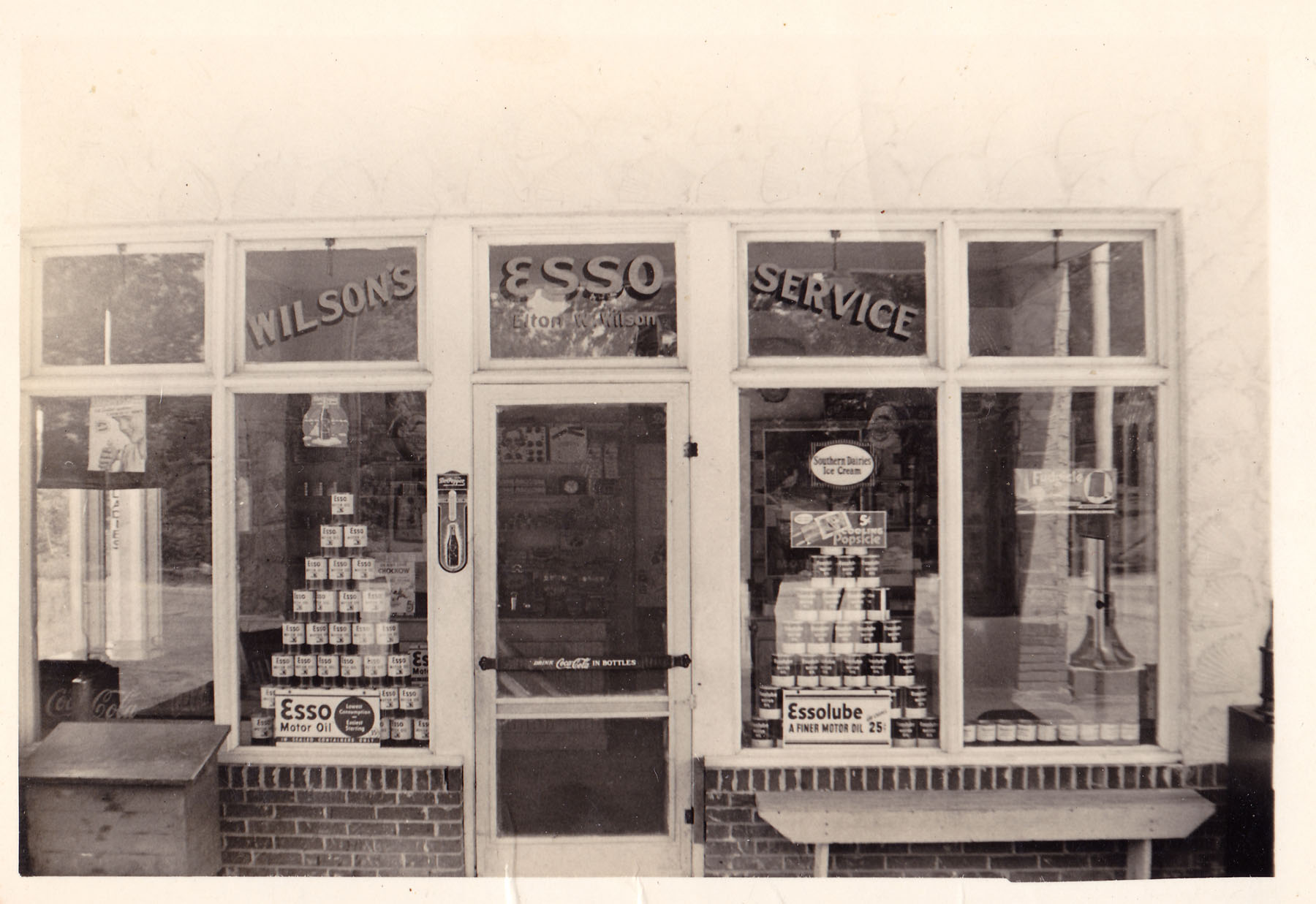 Front Door of Elton Wilson's Esso.  Photo courtesy of Kay Wilson Lydon