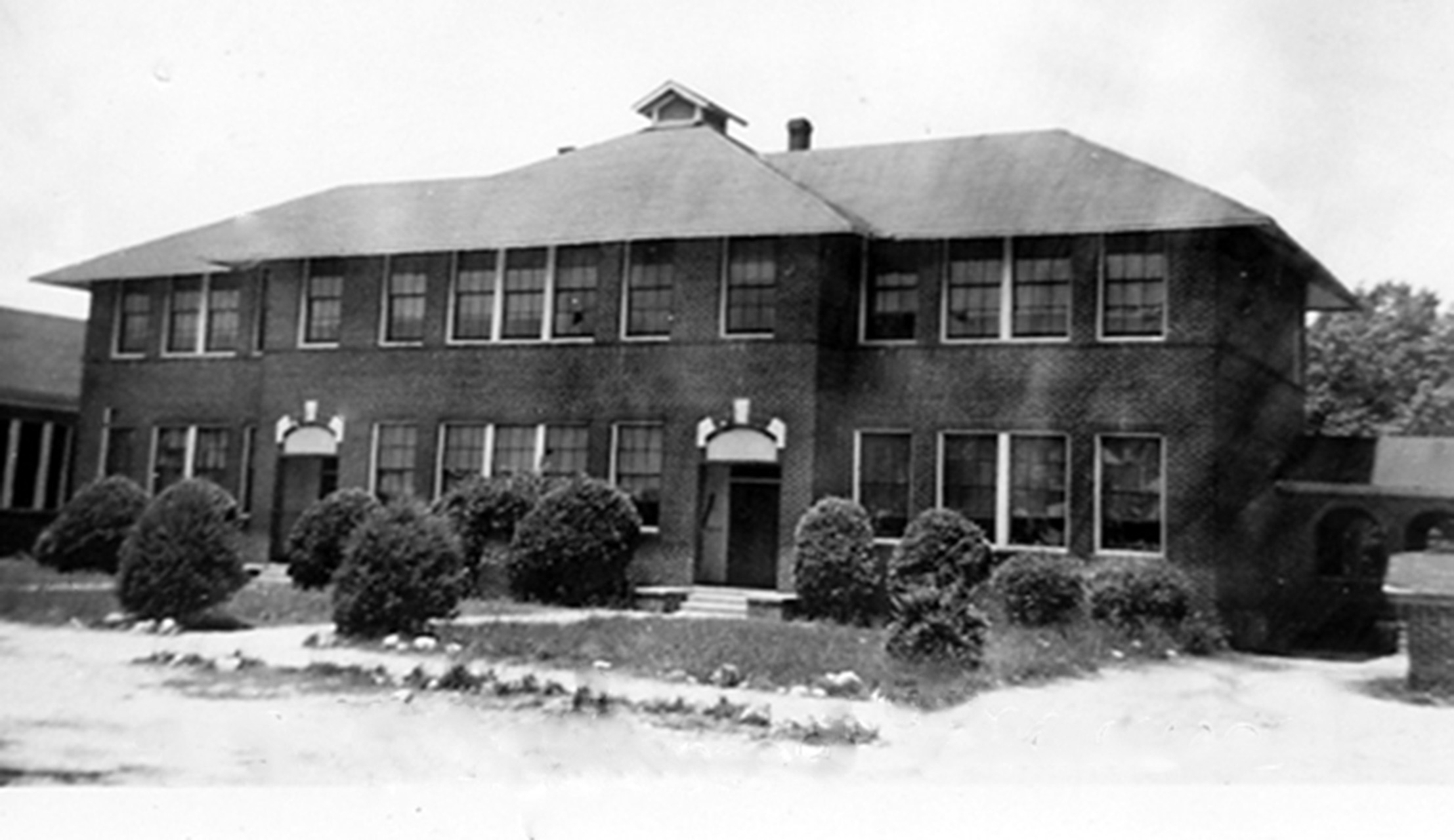 Blythewood School about 1932. Photo courtesy of SC Department of Archives and History.