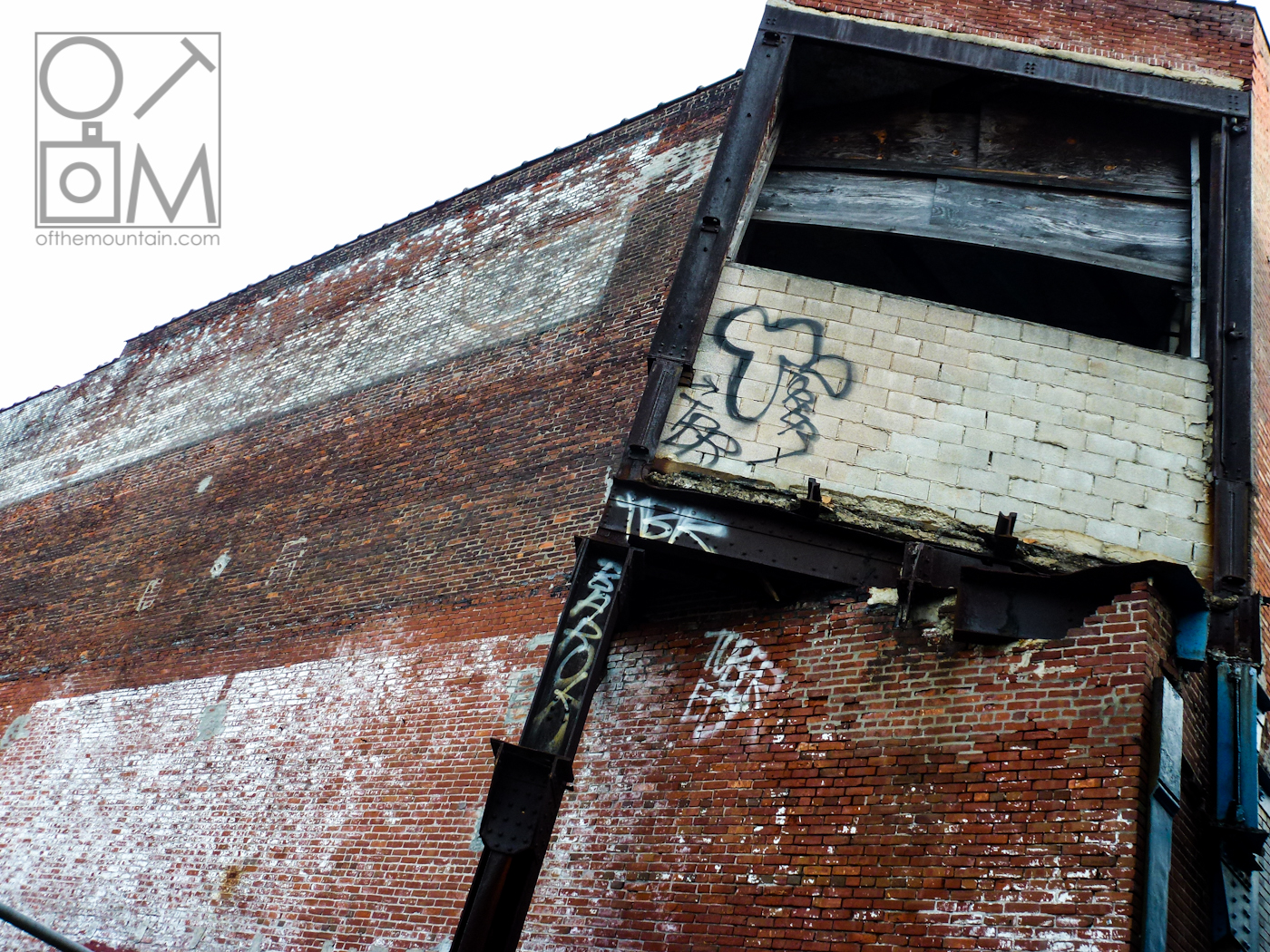 Philly - Girard - Old Warehouse