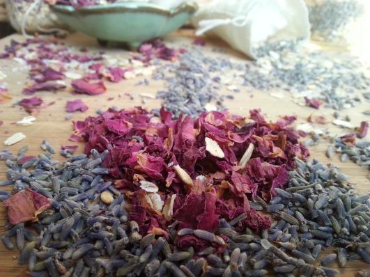 Bath Magic! An Instructive For 5 DIY Herbal Baths — Mama