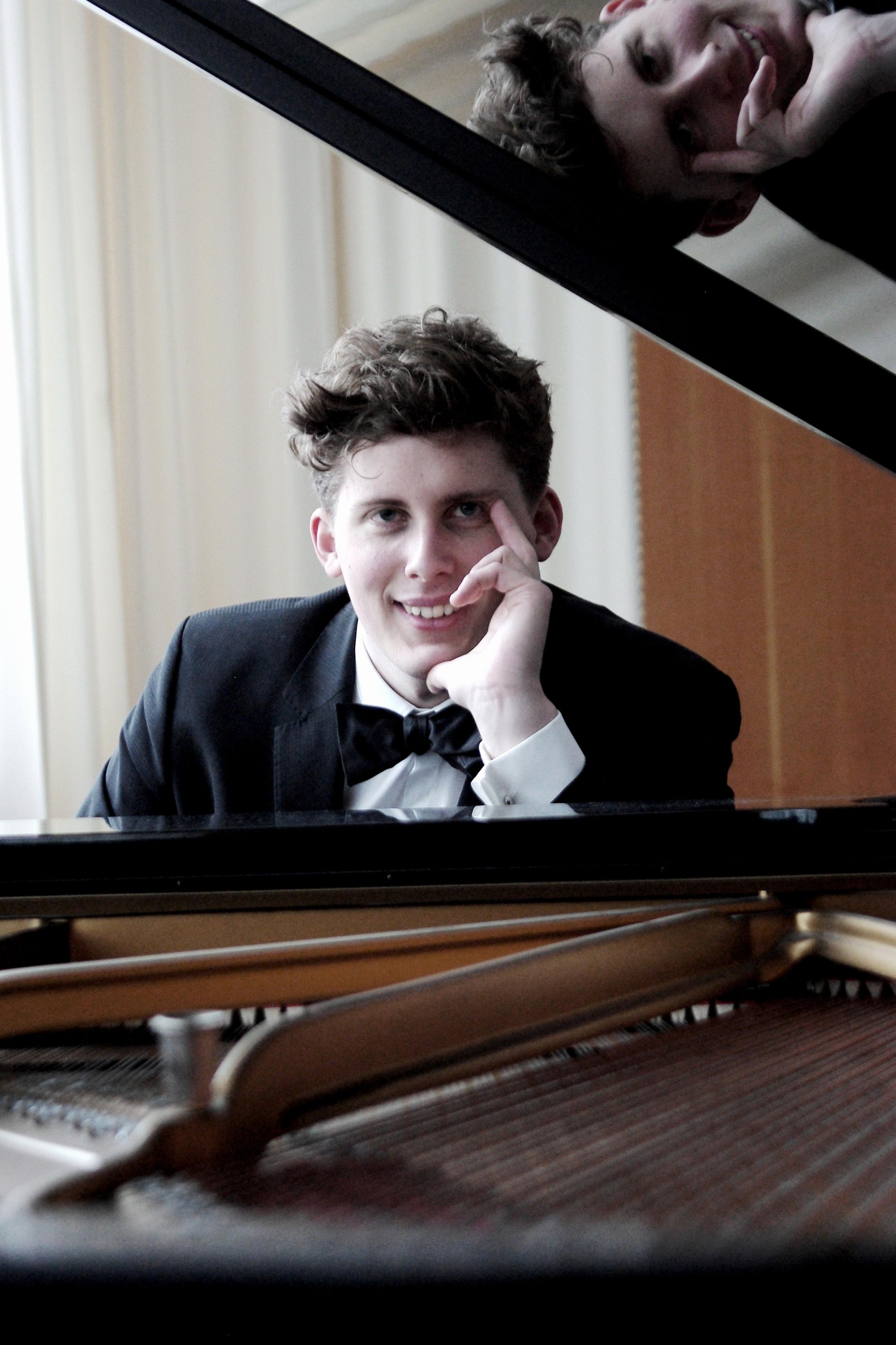 Oscar Micaelsson, pianist.JPG
