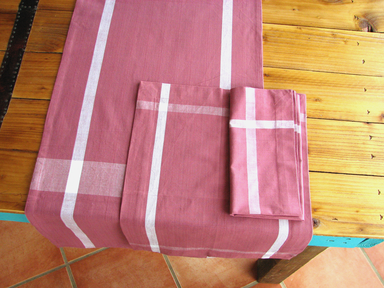 Table linens in Rose White Cotton