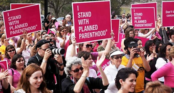planned-parenthood-supporters-680x365.jpg