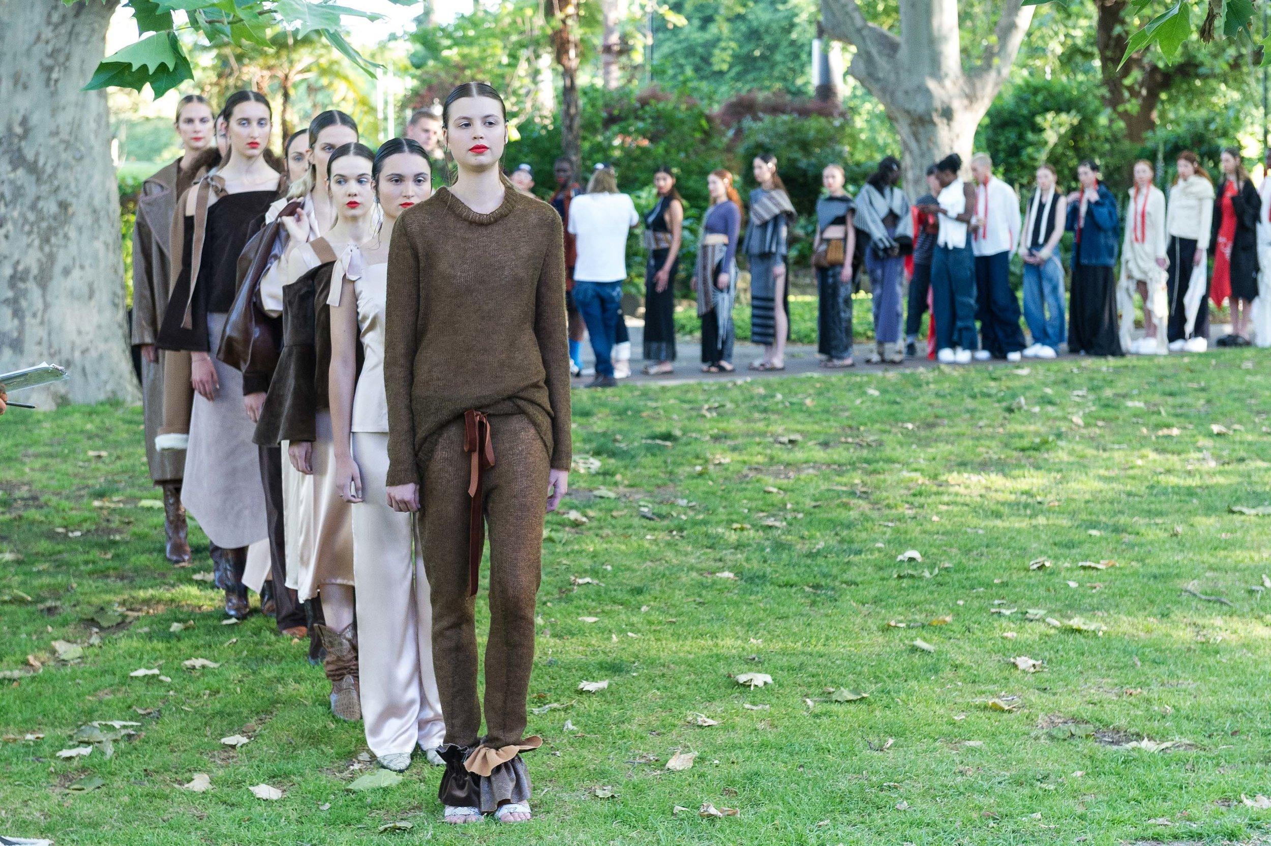 20161116_RMIT_Graduate_Fashion_204.jpg