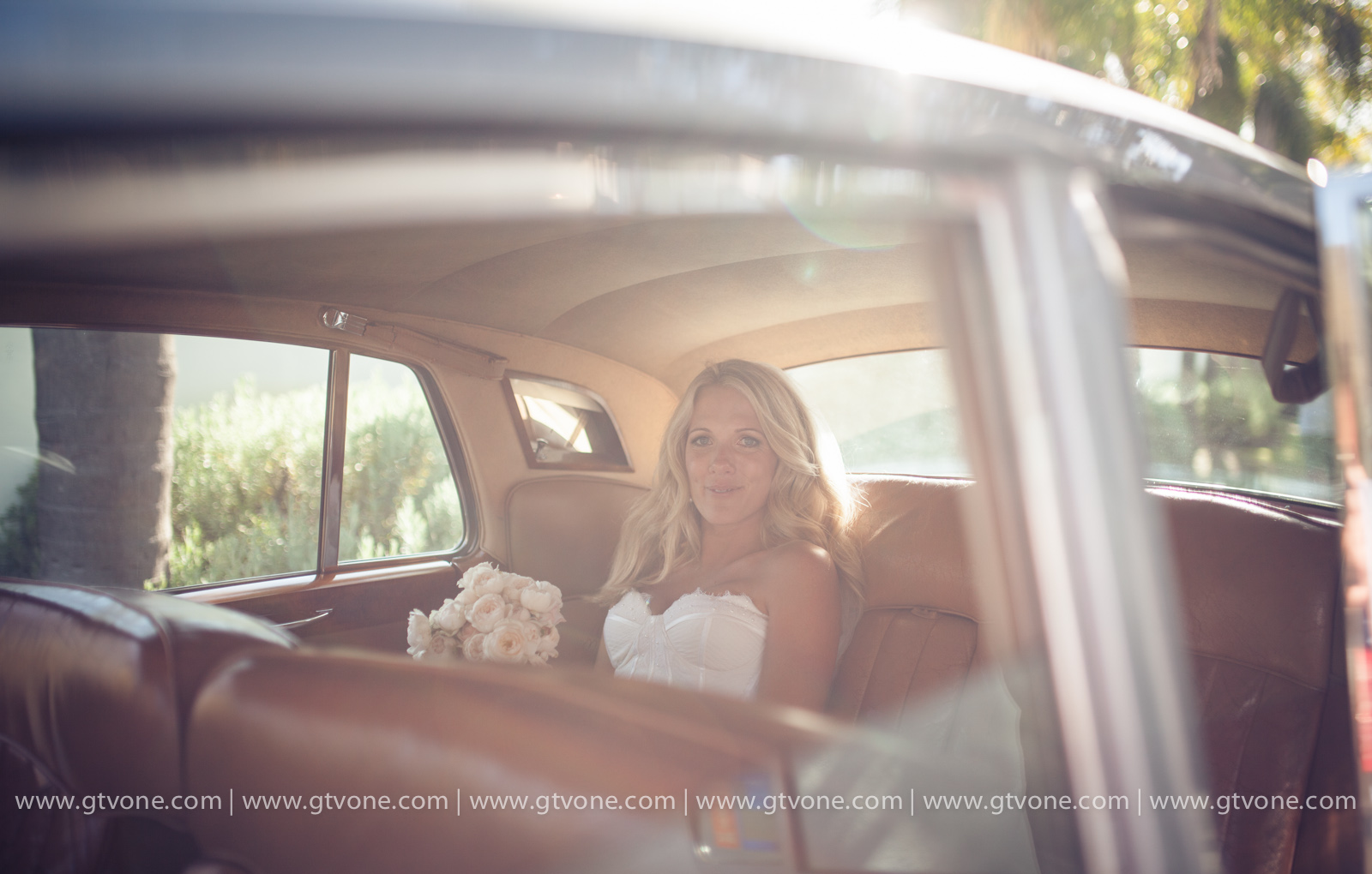 Simon_Pollock_Wedding_Photographer_Melbourne_Shaun_Kate_Sydney_Wedding_Car