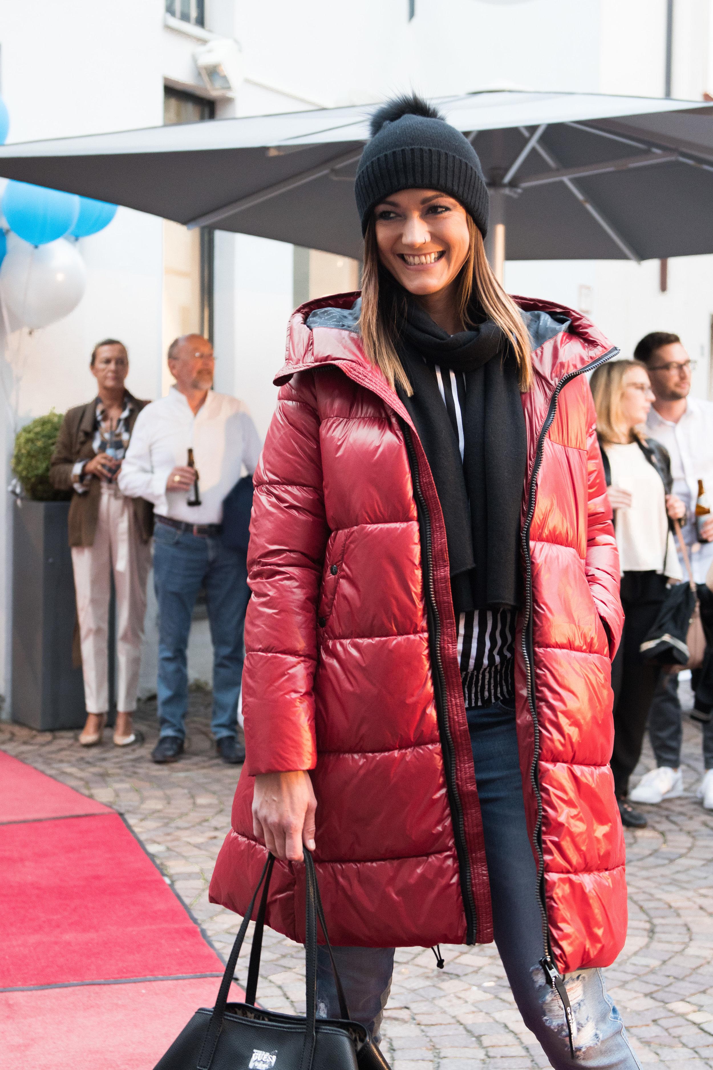 Fashionshowbackstage_2.jpg
