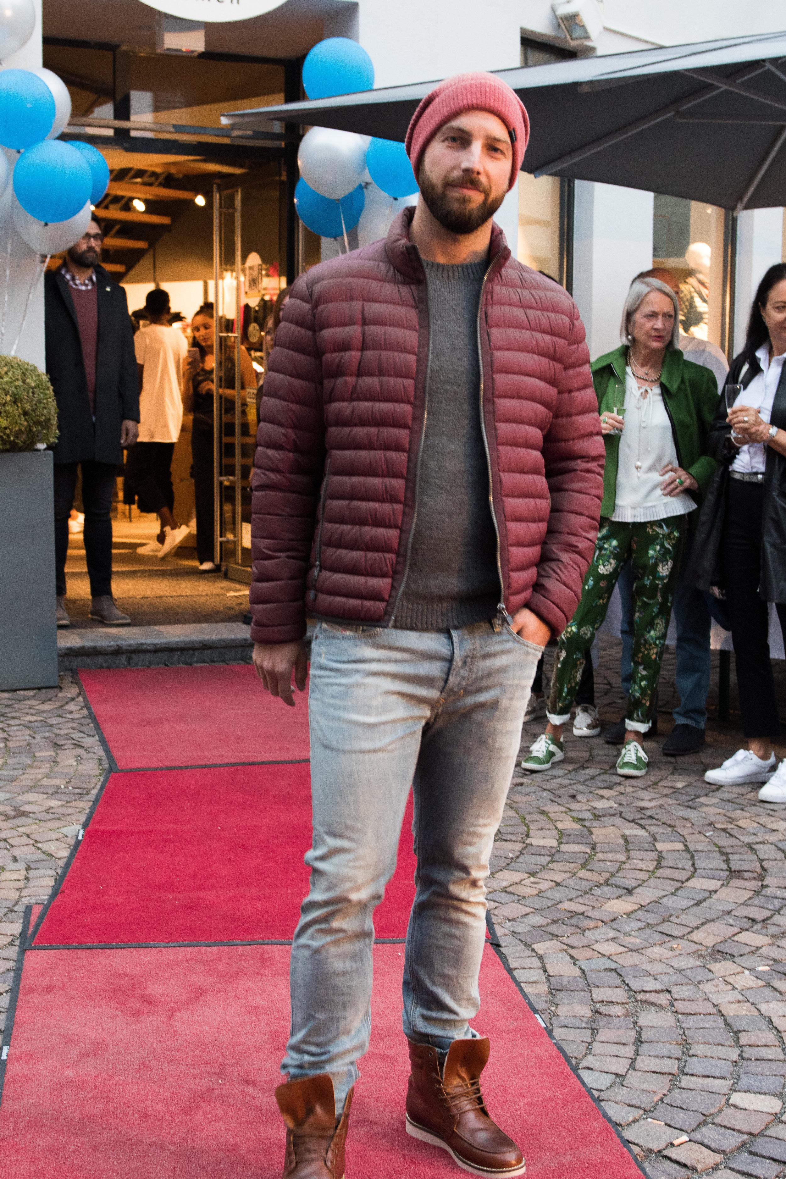 Fashionshowbackstage_16.jpg