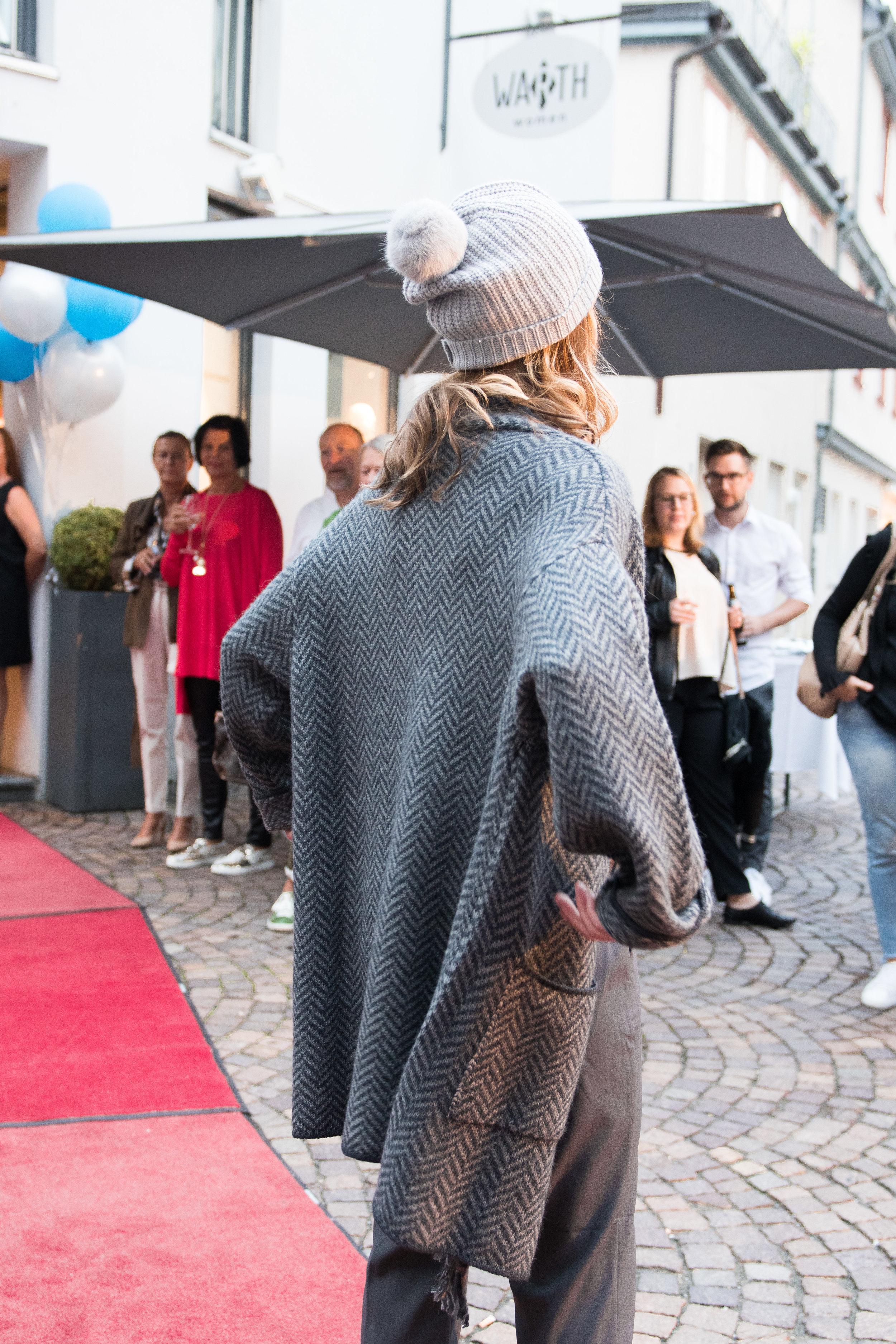 Fashionshowbackstage_27.jpg