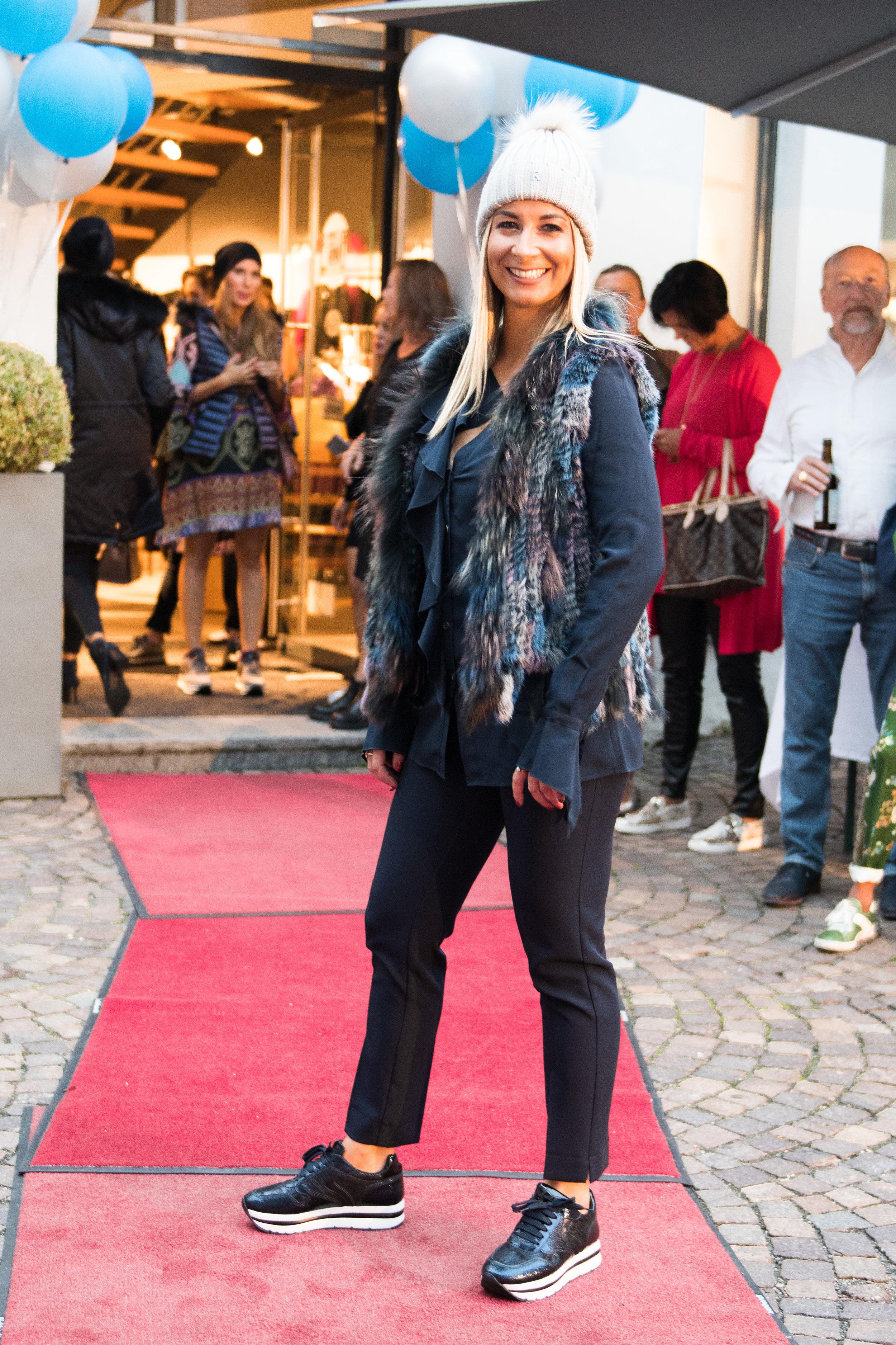 Fashionshowbackstage_37.jpg