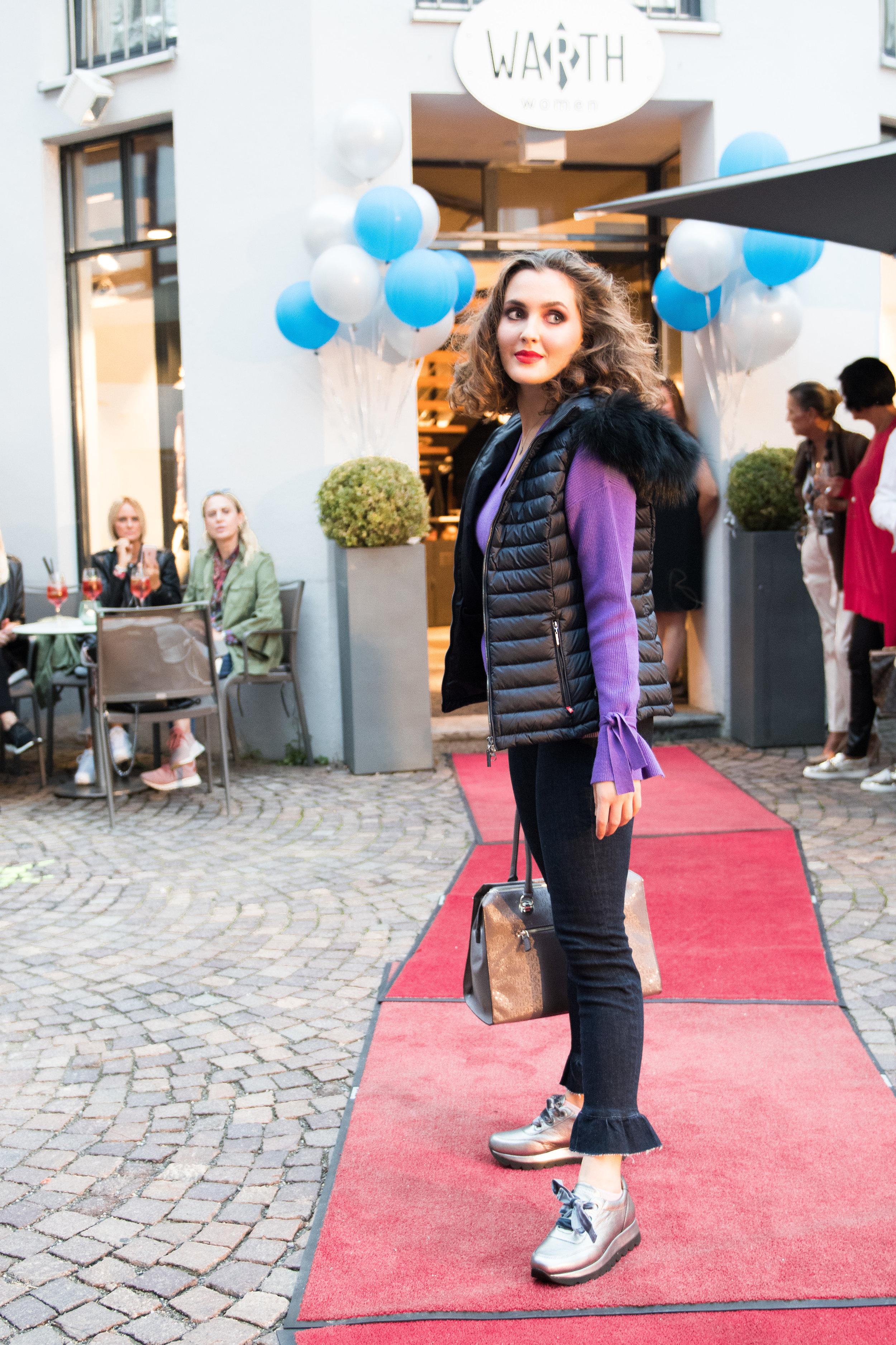 Fashionshowbackstage_41.jpg