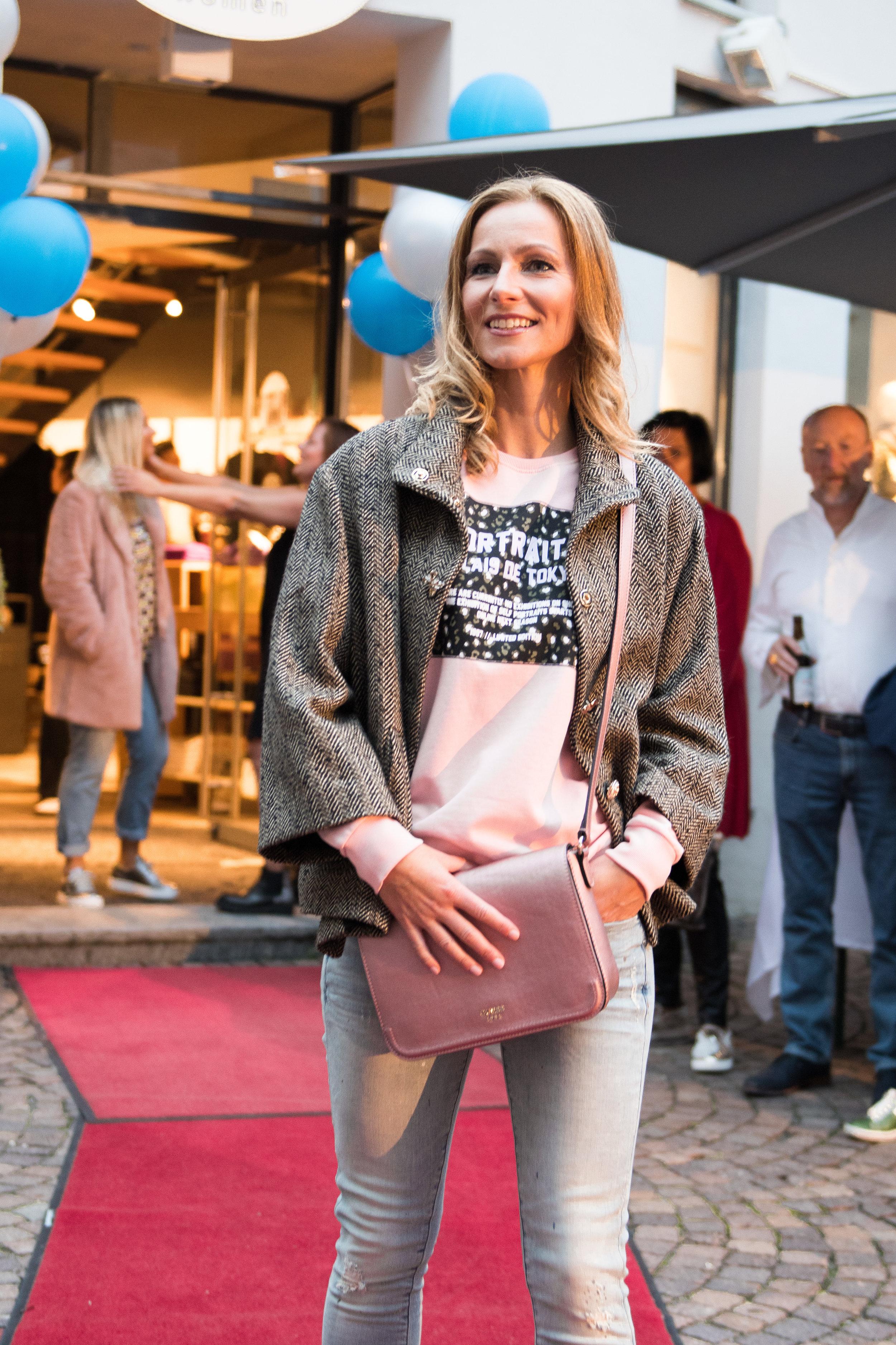 Fashionshowbackstage_53.jpg