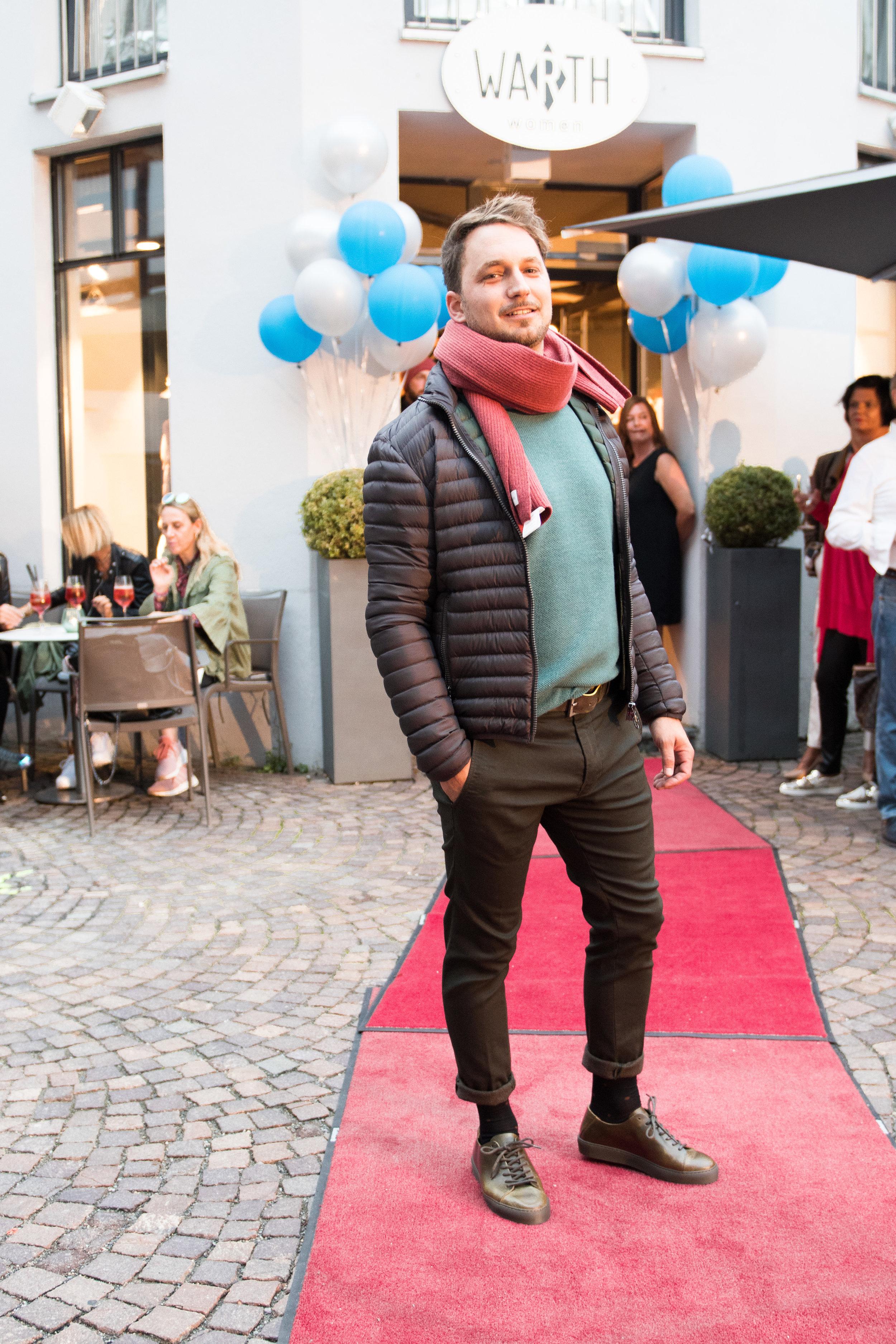 Fashionshowbackstage_46.jpg