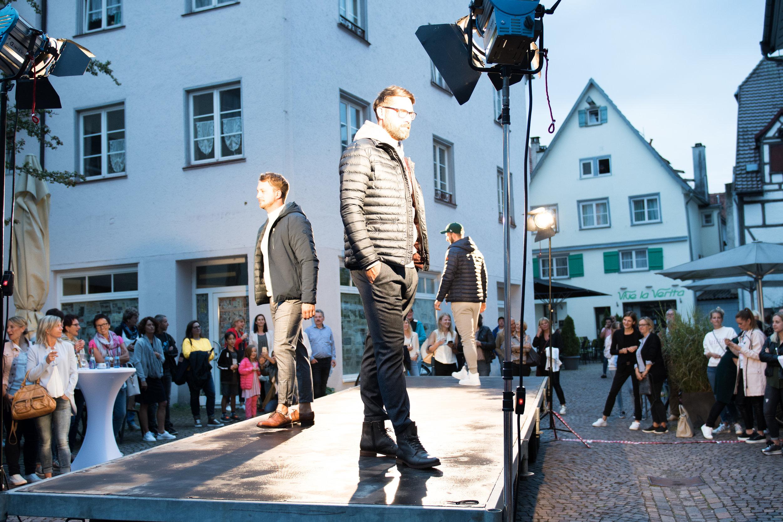Fashionshowbackstage_62.jpg