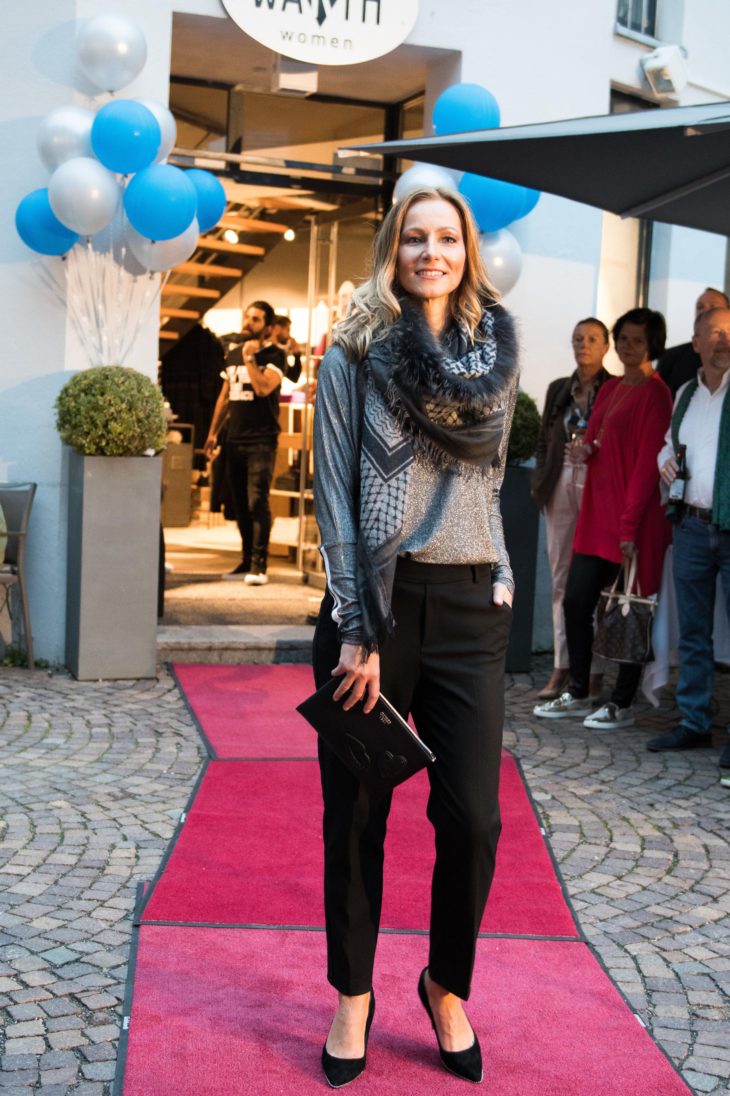 Fashionshowbackstage_81.jpg