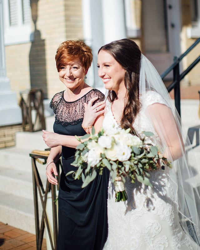 Absolutely love this mom walking her daughter down the aisle 😭✨