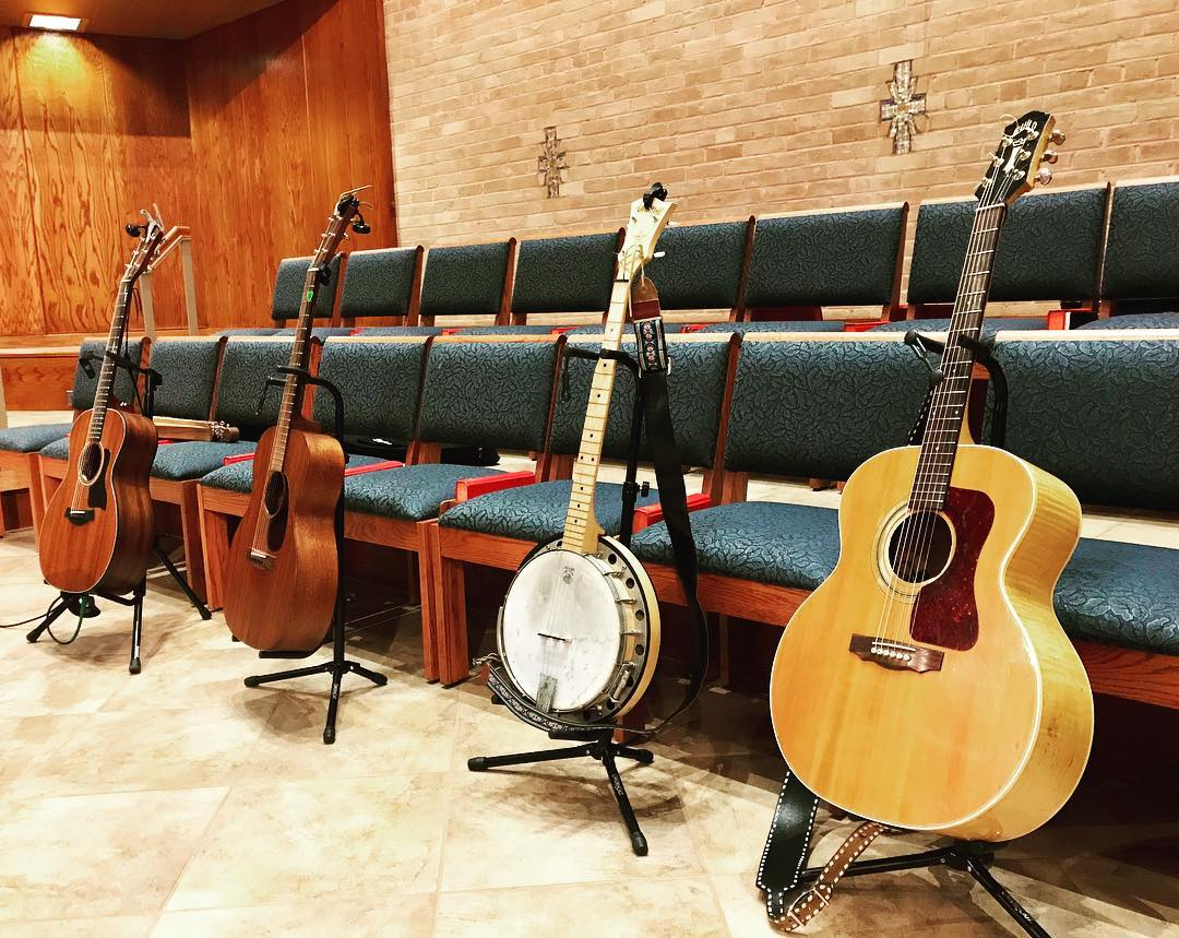 wrumc folk band - 3 guitars 1 banjo.jpg