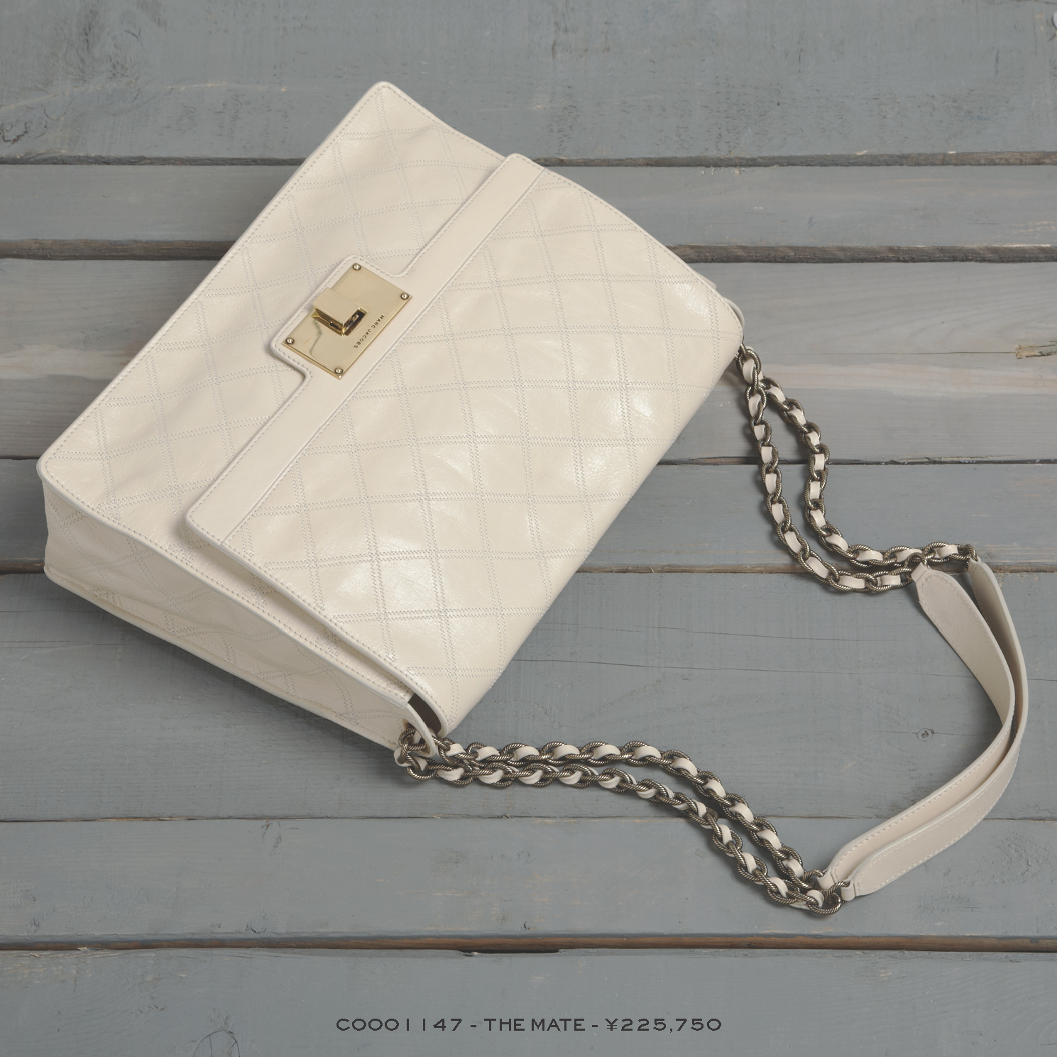 RESORT 2014 Holiday Gift Guide Hi-Res_Page_07.png