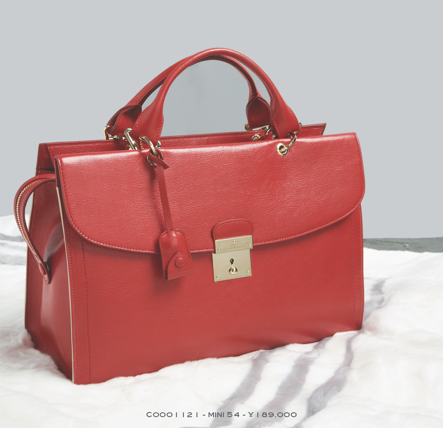 RESORT 2014 Holiday Gift Guide Hi-Res_Page_12.png