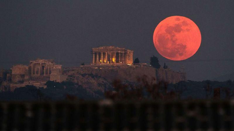 super-moon-ap-04-jpo-180131_hpMain_3_16x9_992.jpg