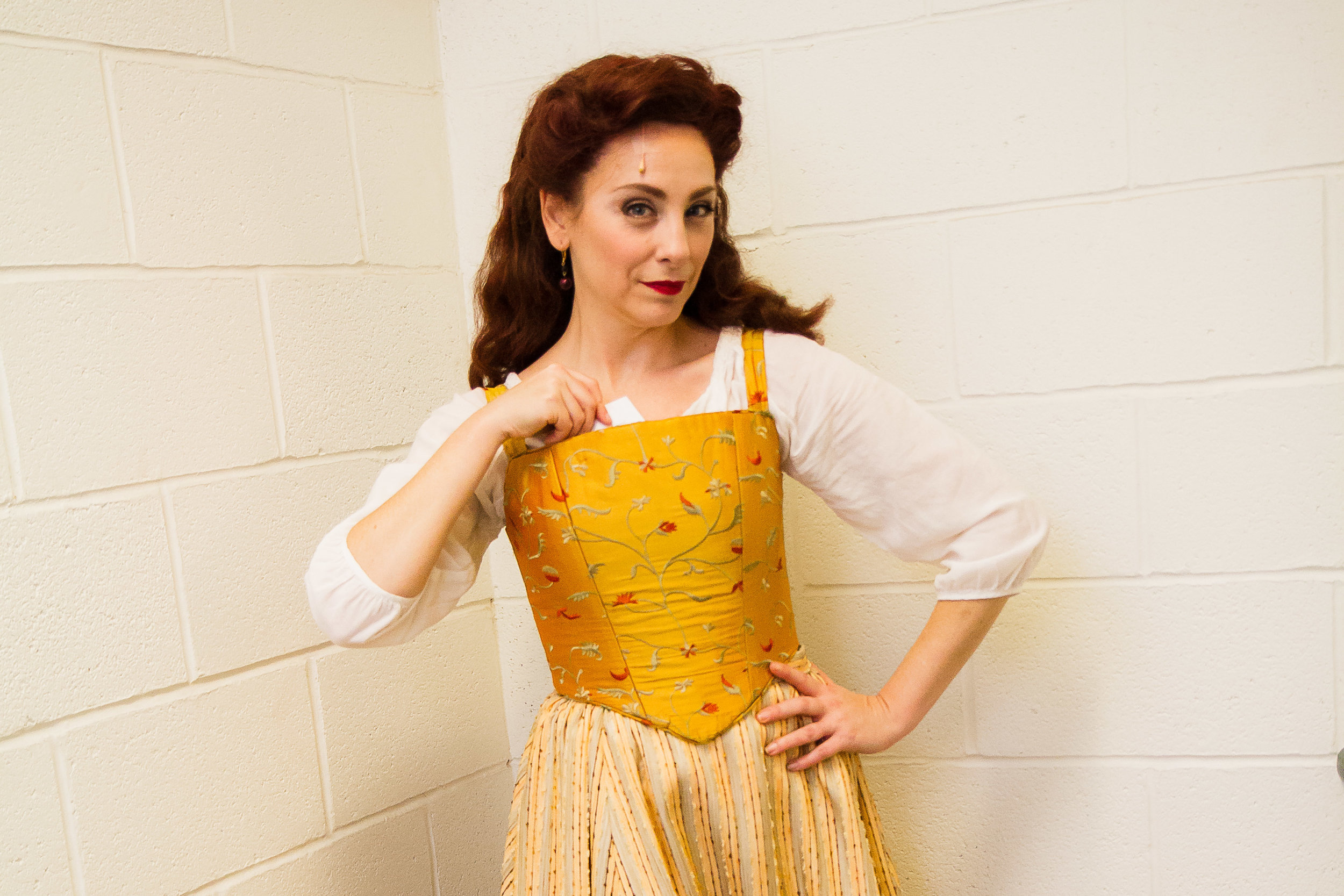 Susan Derry as Lilli Vanessi in Kiss me, Kate! at the Shakespeare Theatre