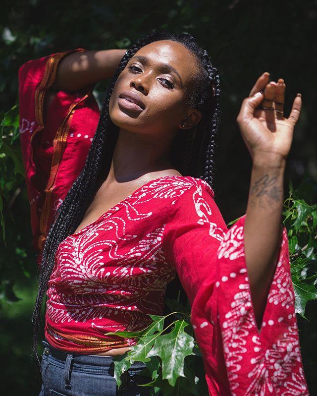 Dancing with trees ☺️ Model: @vivvyen  Creative Direction: @kaypasa_  Wardrobe: @splendorrevival  Location: @sunnymeadowsflowerfarm  #splendorrevival #asseenincolumbus #shadows #girlgaze #pursuitofportaits #portrait