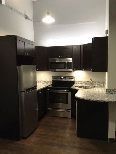 11C kitchen.jpg