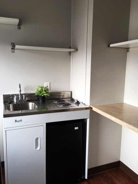 Eff kitchenette 1 CL.jpg